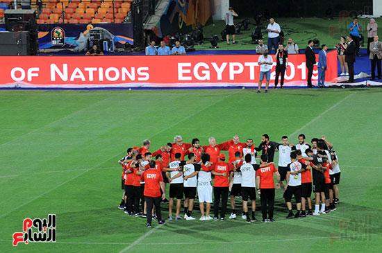 المنتخب الوطنى يتفقد أرضية ستاد القاهرة  (12)