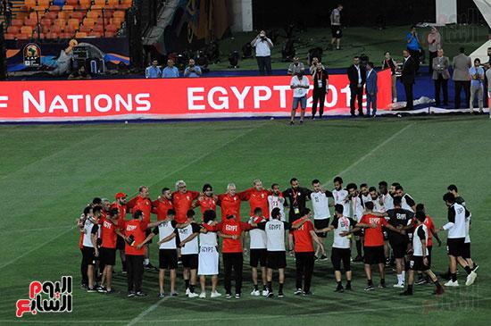 المنتخب الوطنى يتفقد أرضية ستاد القاهرة  (13)