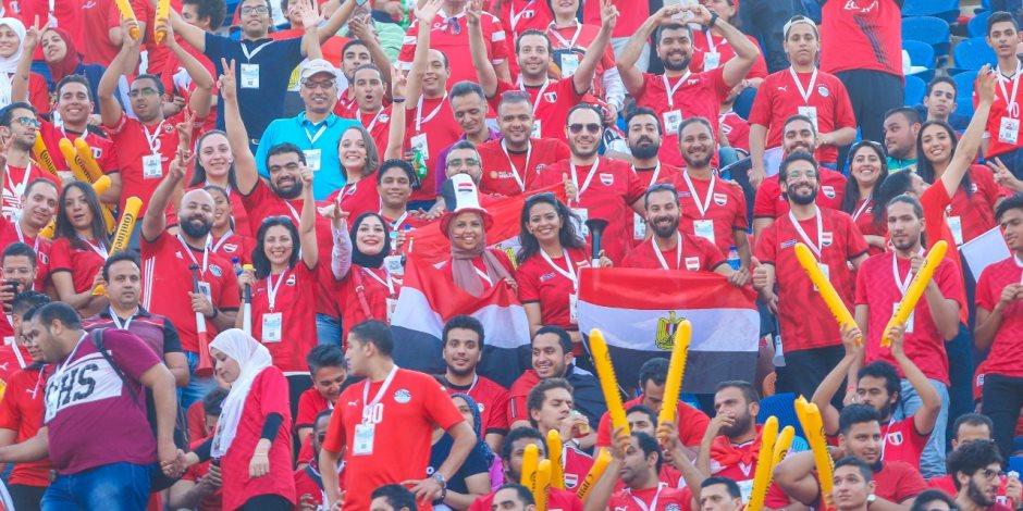 الجماهير فى ستاد القاهرة  (3)