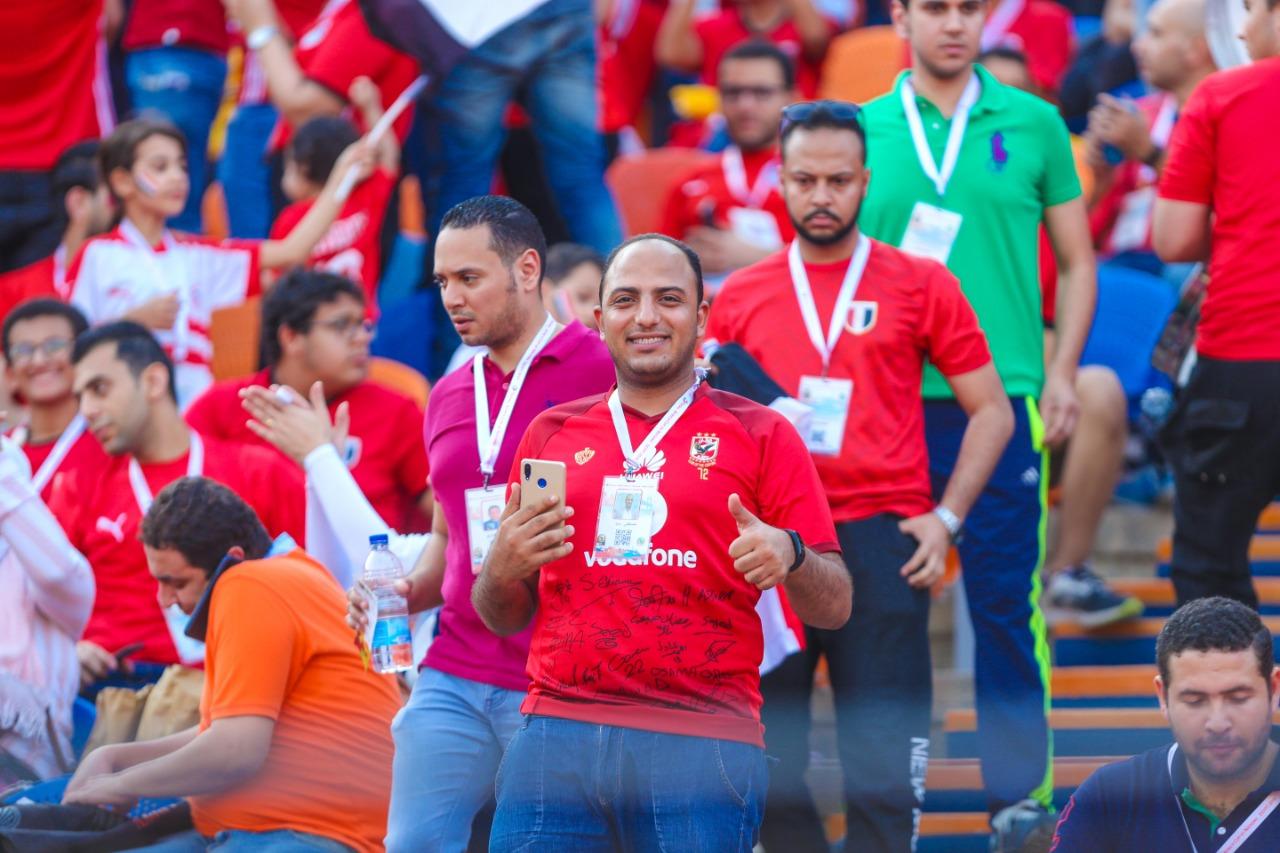 الجماهير فى ستاد القاهرة  (4)