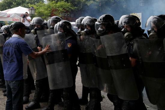 اشتباكات مع الشرطة فى ألبانيا