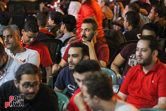 المقاهى تمتلئ بالجماهير لمتابعة أولى مباريات المنتخب بأمم أفريقيا (12)