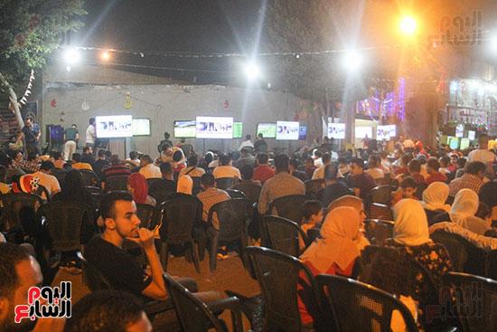 المقاهى تمتلئ بالجماهير لمتابعة أولى مباريات المنتخب بأمم أفريقيا (2)