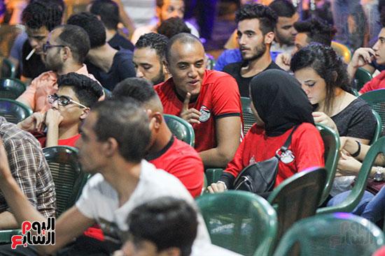 المقاهى تمتلئ بالجماهير لمتابعة أولى مباريات المنتخب بأمم أفريقيا (5)
