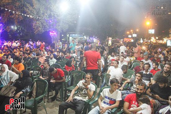 المقاهى تمتلئ بالجماهير لمتابعة أولى مباريات المنتخب بأمم أفريقيا (7)