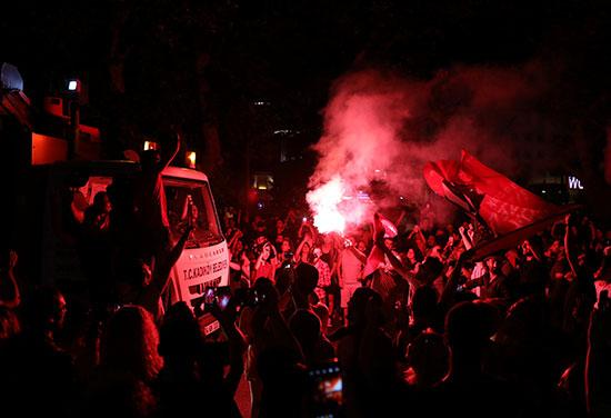 الاحتفالات تعم مدينة اسطنبول التركية