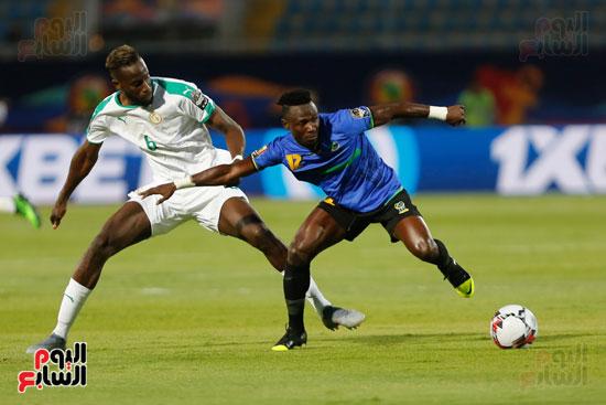 السنغال تتقدم على تنزانيا (18)