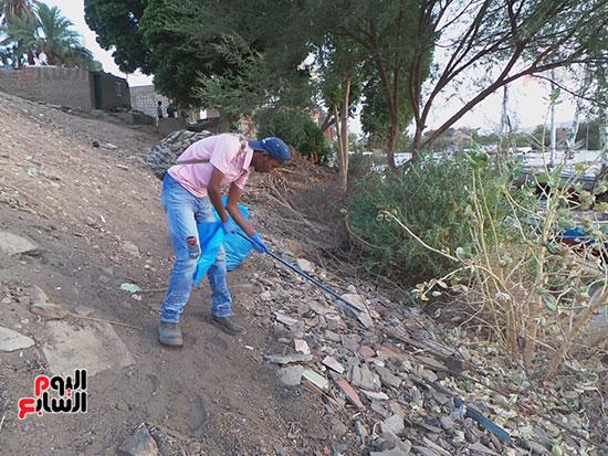 مبادرة شباب ضد البلاستيك بأسوان (4)