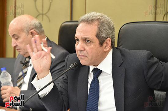 اللجنة التشريعية (18)