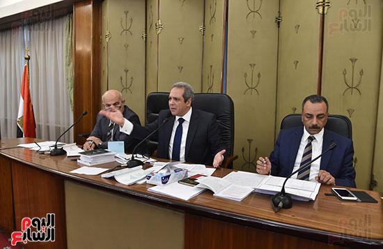 اللجنة التشريعية (10)