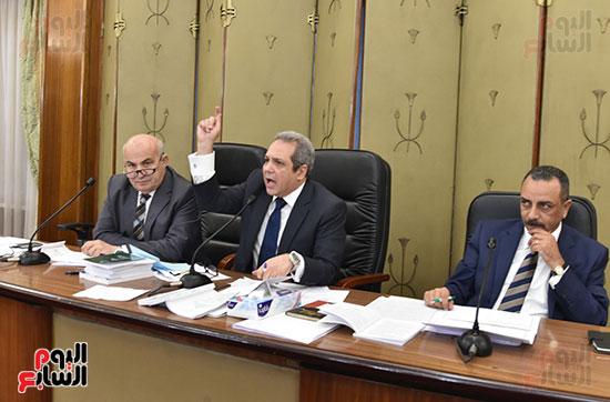 اللجنة التشريعية (13)