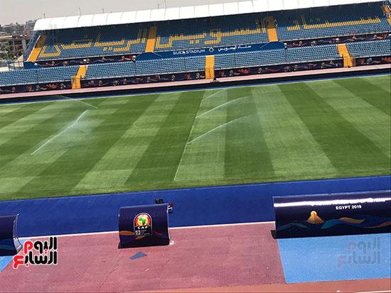 أرضية الملعب