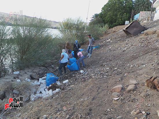 مبادرة شباب ضد البلاستيك بأسوان (2)
