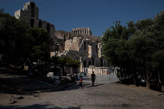 التغير-المناخى-يترك-تداعياته-على-الأثار-باليونان