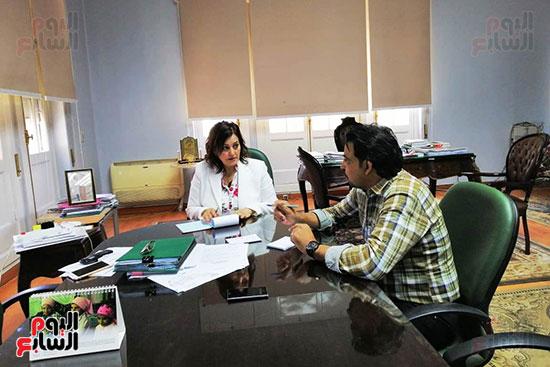 الدكتورة منى محرز ، نائب وزير الزراعة (1)