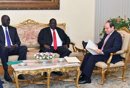 عبد الفتاح السيسى توت جلواك مبعوث رئيس جمهورية جنوب السودان (1)