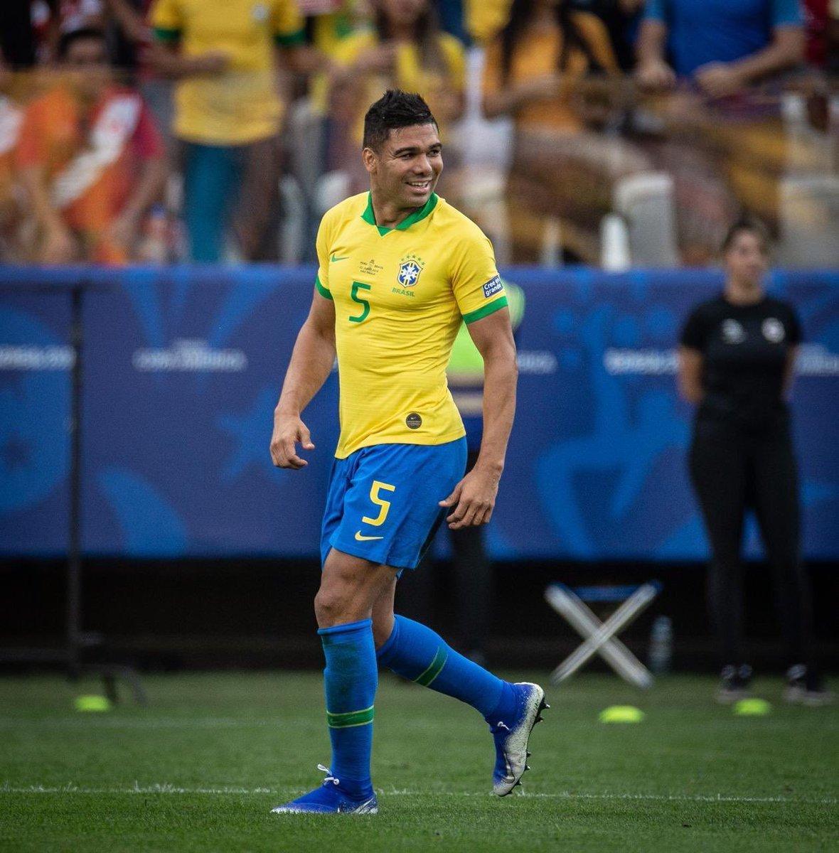 كاسيميرو لاعب منتخب البرازيل