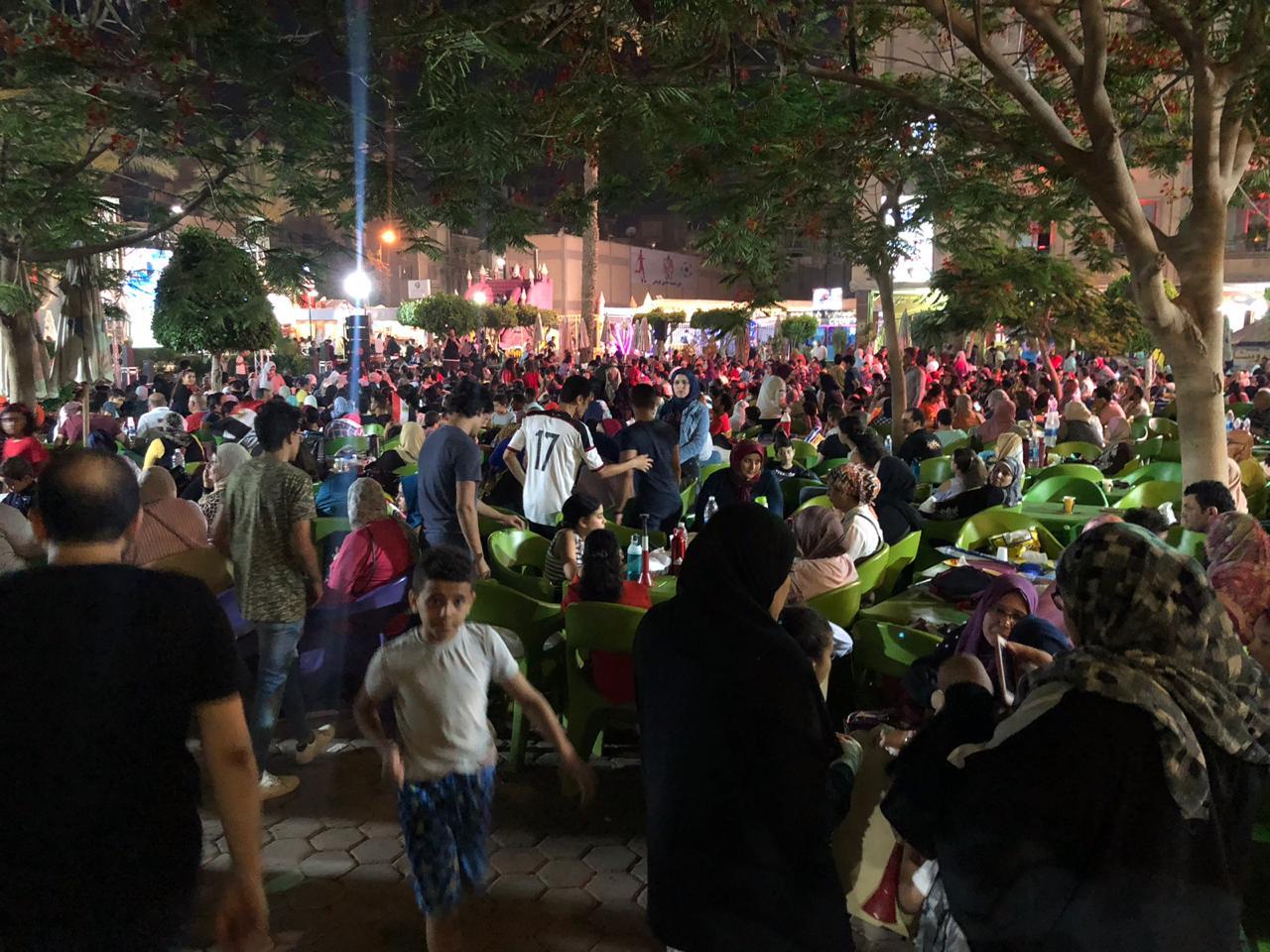 اقبال كبير لمتابعة مباراة مصر والكونغو الديمقراطية في ثاني مباريات المنتخب (5)