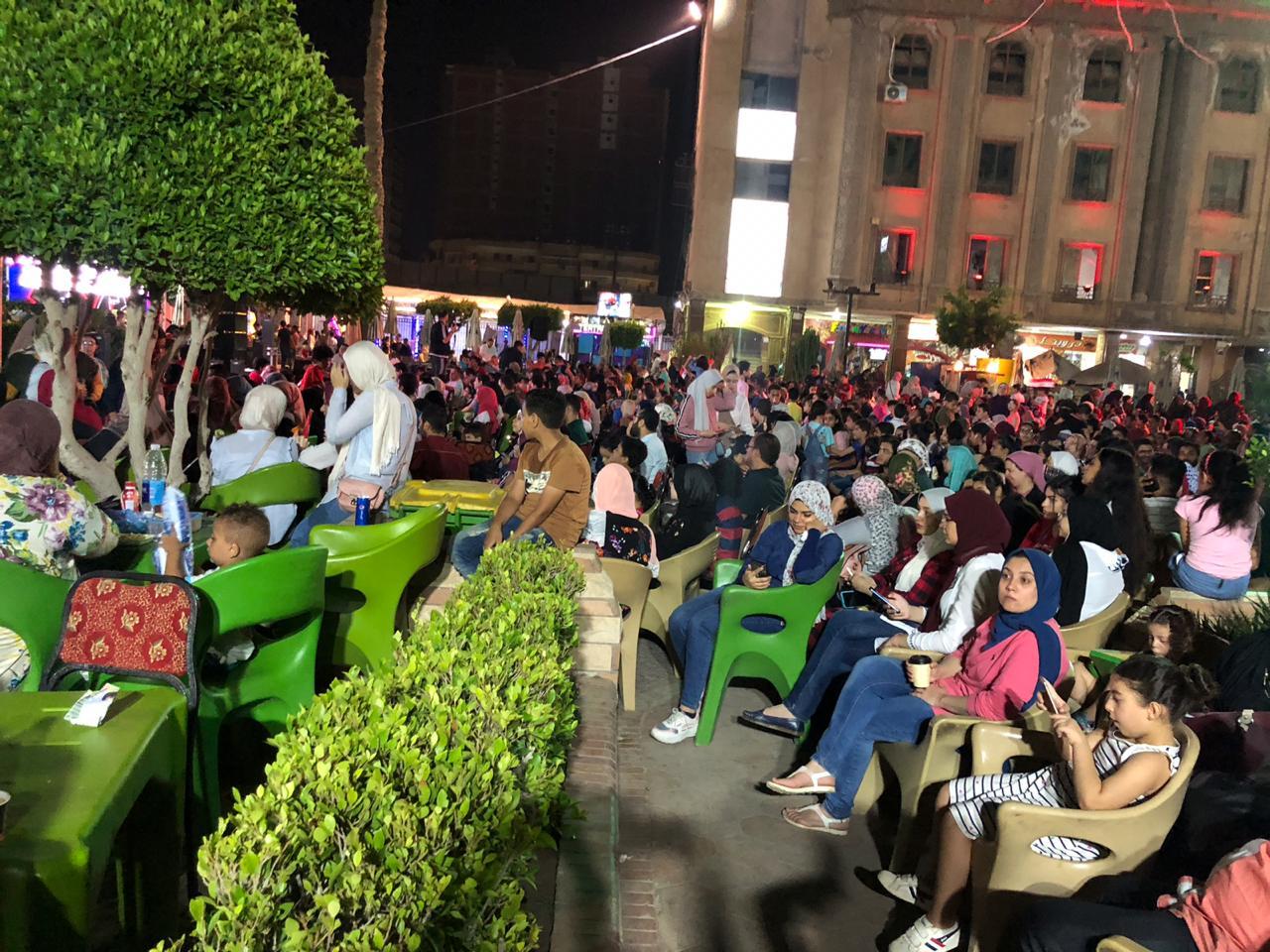 اقبال كبير لمتابعة مباراة مصر والكونغو الديمقراطية في ثاني مباريات المنتخب (4)