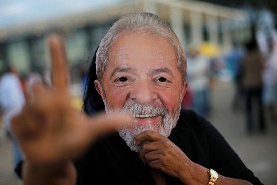 أحد مؤيدى الرئيس البرازيلى السابق لولا دا سيلفا