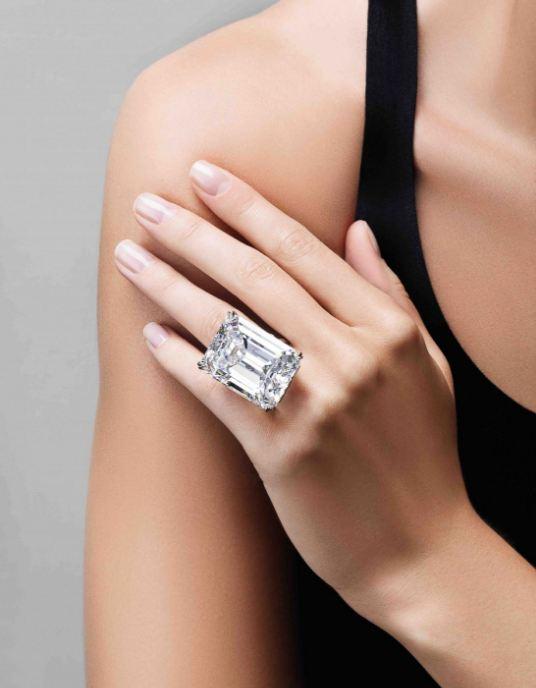 الزمرد - الماس عديم اللون