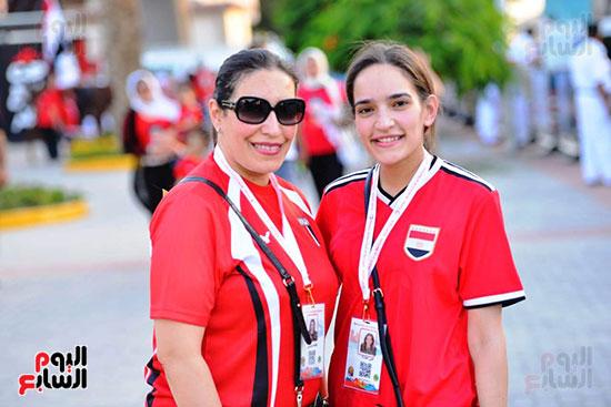 الأسر المصرية تجتمع فى استاد القاهرة (17)