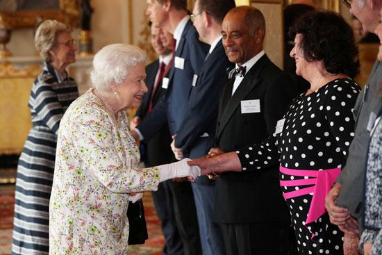 الملكة إليزابيث تستضيف حفل استقبال دينى بقصر باكنجهام