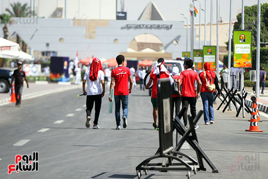 توافد الجماهير المصرية لدعم الفراعنة أمام الكونغو الديمقراطية  (15)