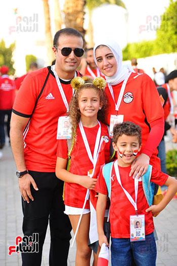 الأسر المصرية تجتمع فى استاد القاهرة (39)