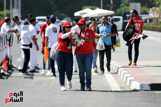 توافد الجماهير المصرية لدعم الفراعنة أمام الكونغو الديمقراطية  (6)