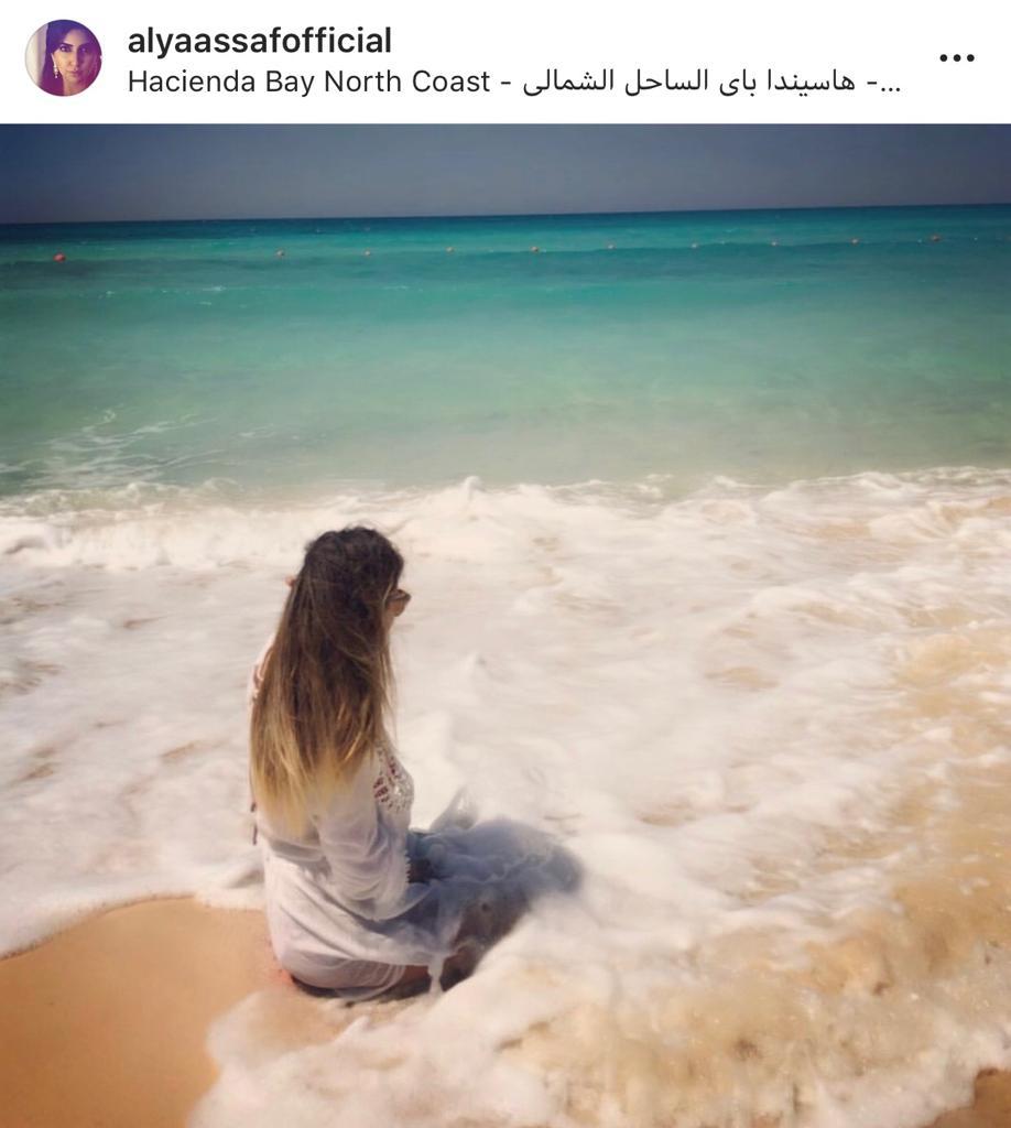 الفنانات المصريات يشعلن مواقع التواصل بصورهن من الساحل الشمالى  (1)