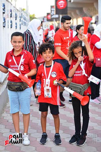 توافد الجماهير المصرية قبل مباراة مصر والكونغو (3)