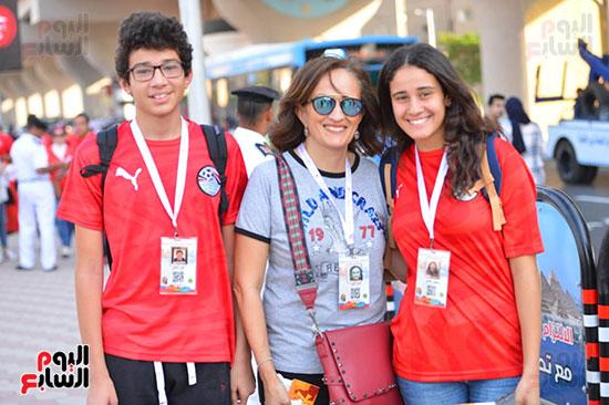 توافد الجماهير المصرية قبل مباراة مصر والكونغو (18)