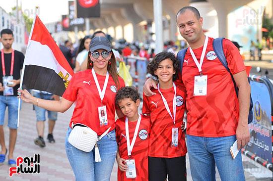توافد الجماهير المصرية قبل مباراة مصر والكونغو (14)