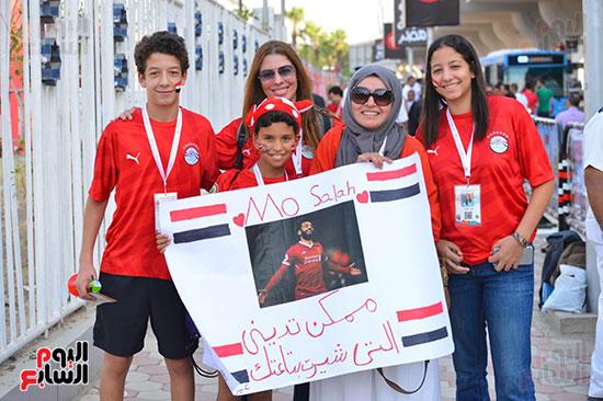 توافد الجماهير المصرية قبل مباراة مصر والكونغو (29)