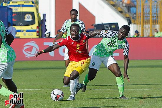 مباراة نيجيريا وغينيا  (1)