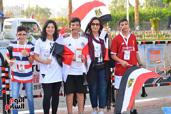 الأسر المصرية تجتمع فى استاد القاهرة (40)