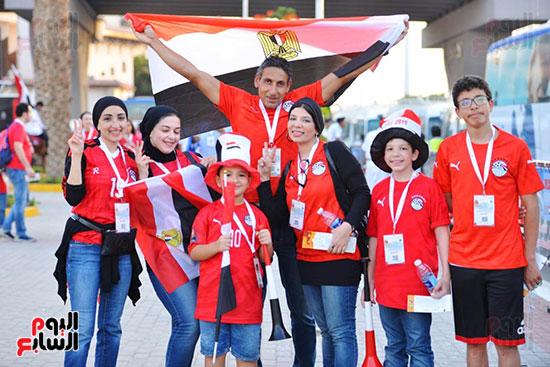 الأسر المصرية تجتمع فى استاد القاهرة (4)