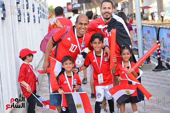 توافد الجماهير المصرية قبل مباراة مصر والكونغو (33)
