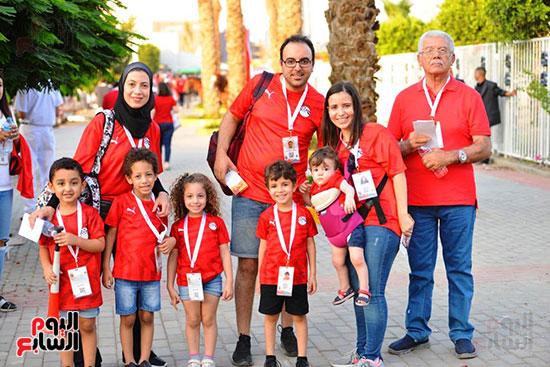 الأسر المصرية تجتمع فى استاد القاهرة (13)