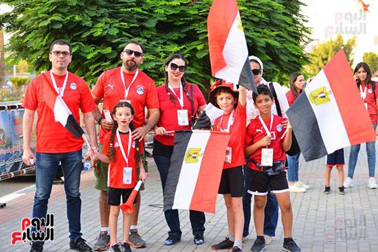 الأسر المصرية تجتمع فى استاد القاهرة (26)