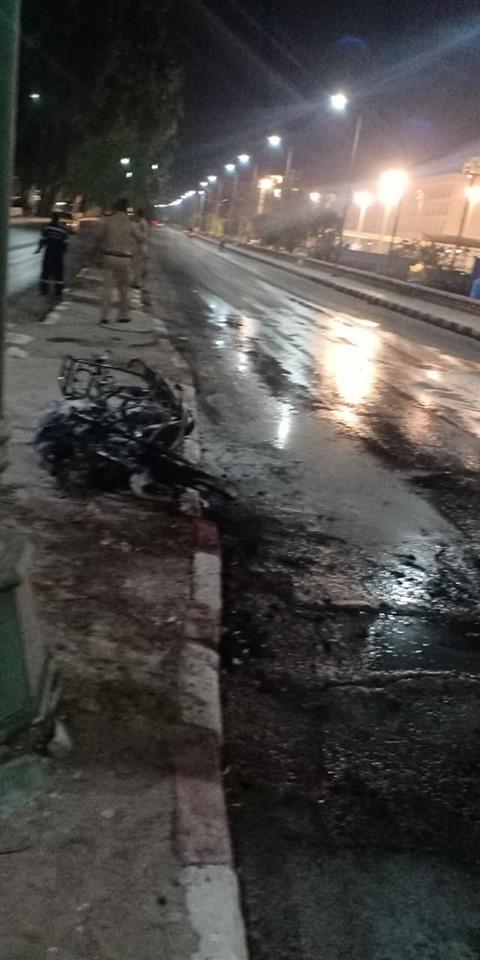 تفحم دراجة بخارية وإصابة شخص بالطريق الدائري في أسيوط  (4)