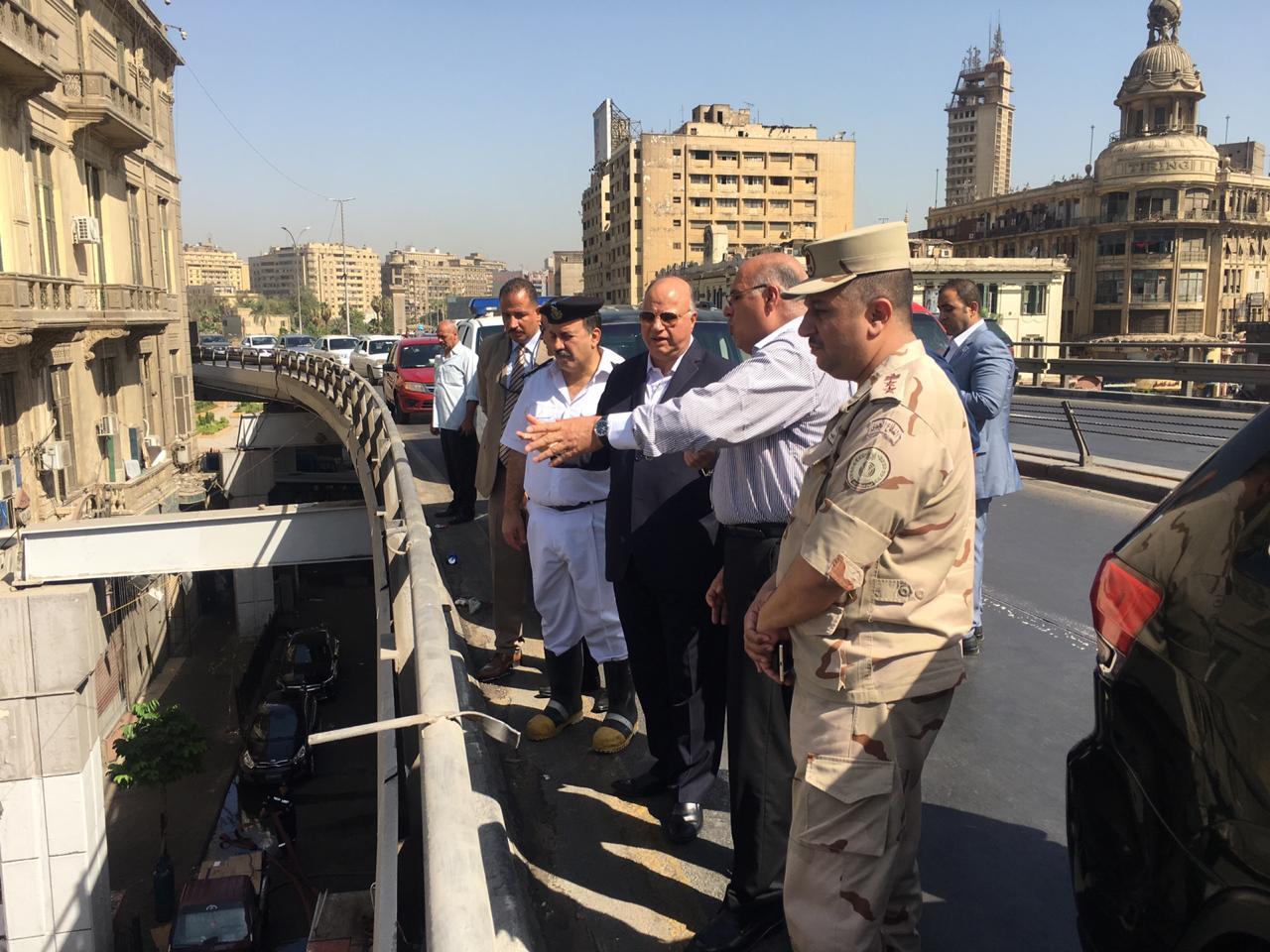 محافظ القاهرة يتفقد حريق سوق الخضار بالعتبة  (4)