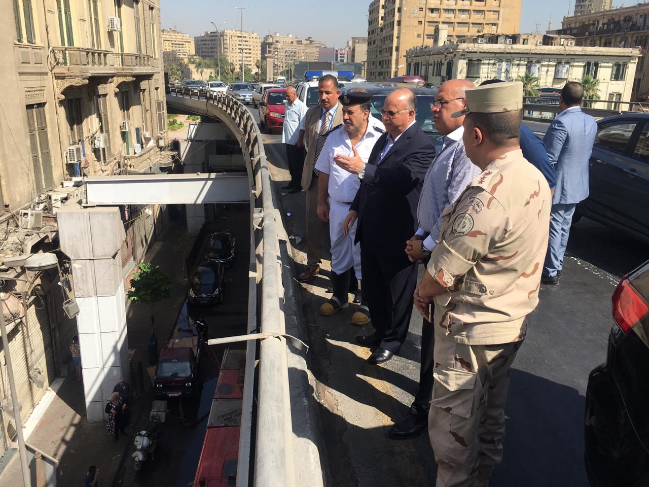 محافظ القاهرة يتفقد حريق سوق الخضار بالعتبة  (5)