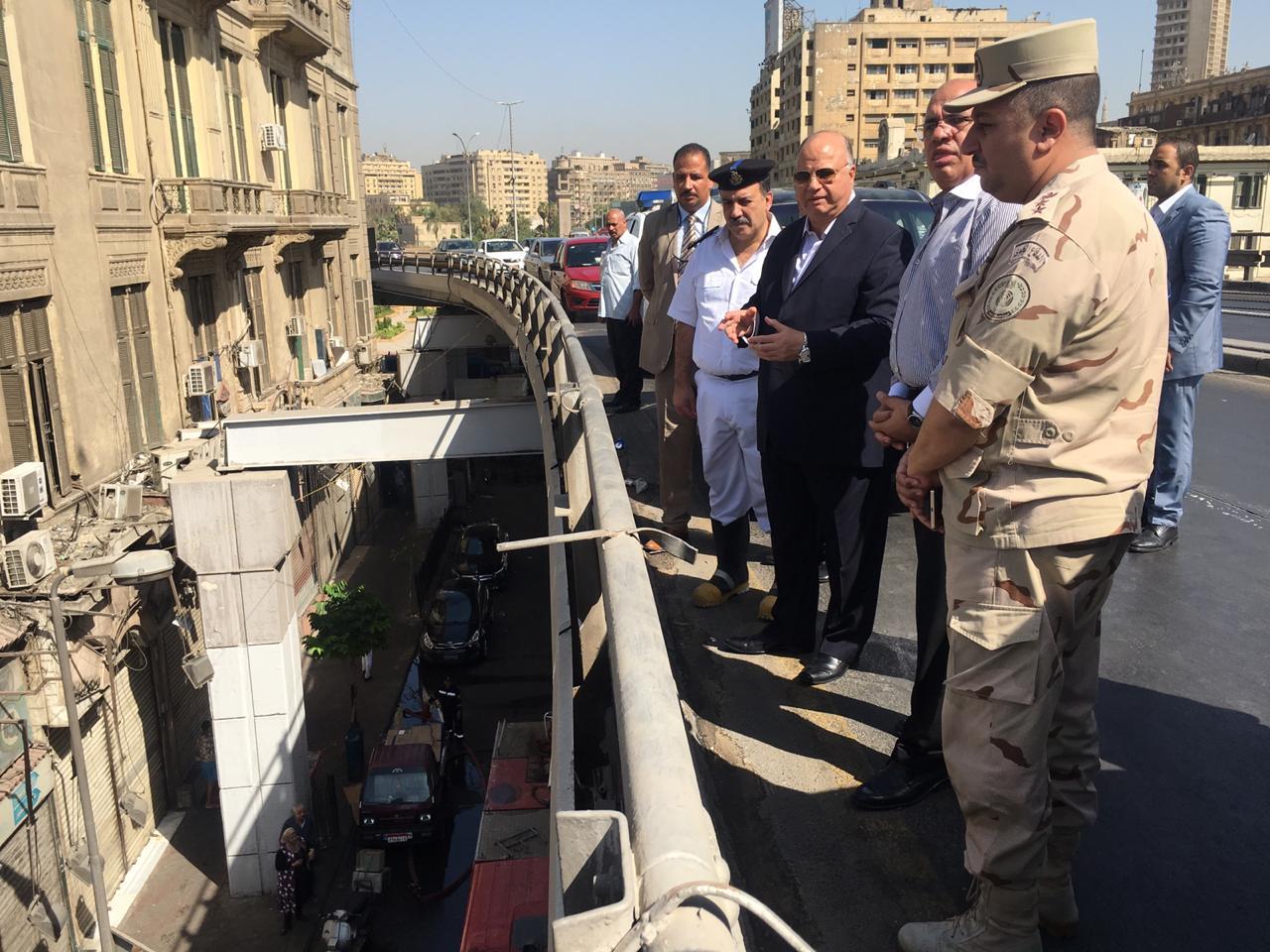 محافظ القاهرة يتفقد حريق سوق الخضار بالعتبة  (3)