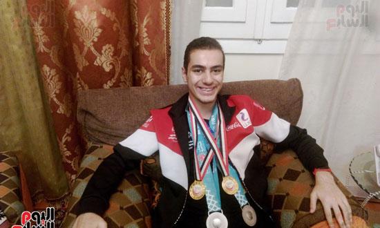 بطل مصرى كسر حاجز الإعاقة (12)
