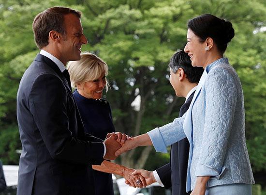 الرئيس الفرنسى وزوجته يلتقيان الامبراطور اليابانى  (4)