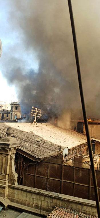 حريق بسوق الخضار بالموسكى (3)