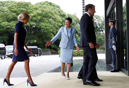 الرئيس الفرنسى وزوجته يلتقيان الامبراطور اليابانى  (6)