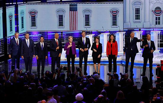 المرشحون الأمريكيون الديمقراطيون يبدؤون أول مناظرة قبل بدء أول انتخابات رئاسية (7)